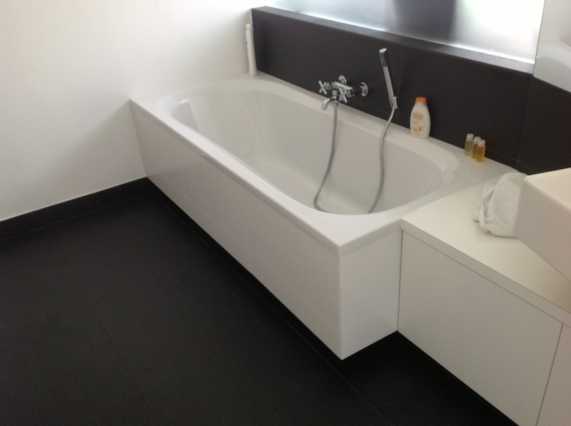 die kremaikfliesen selber legen. Black Bedroom Furniture Sets. Home Design Ideas